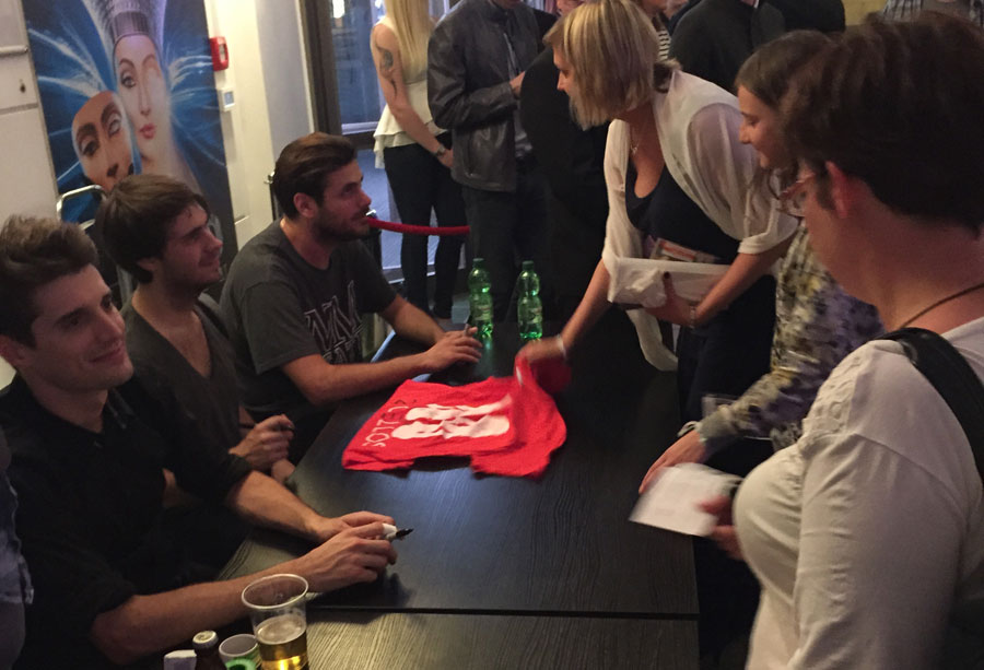 2Cellos: meet and greet mit den Fans nach dem Konzert