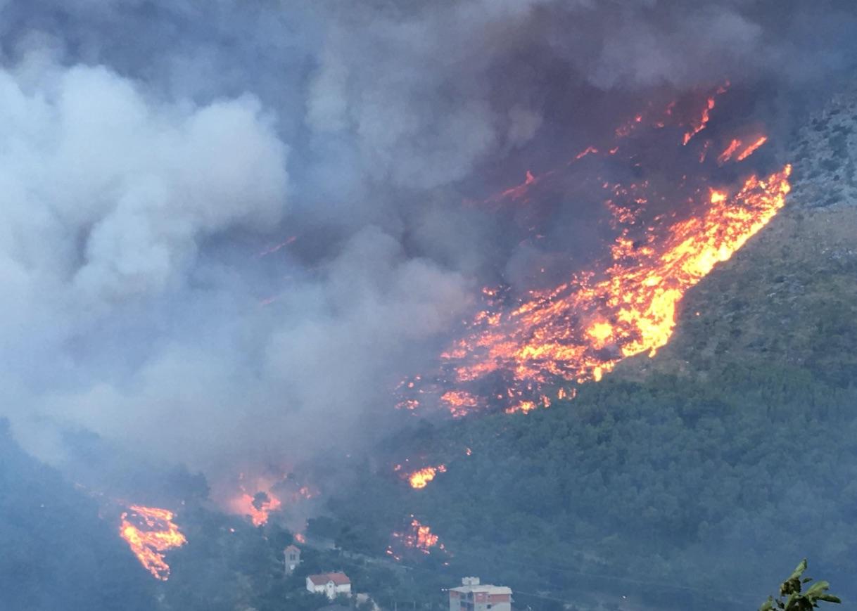Waldbrand bei Split / Kroatien