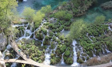 Der Naturpark Plitvicer Seen lockt jedes Jahr viele Touristen nach Kroatien