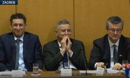 Der kroatische Premier stellt hat gestern die neue Regierung mit den neuen Ministern vorgestellt. Heute fragt die Opposition im Parlament Premier Oreskovic, ob er nicht ein Illuminati sei.