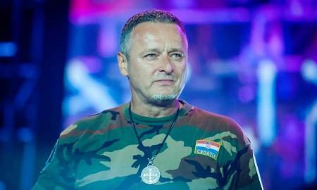 """Marko Perkovic Thompson ist der wohl bekannteste und erfolgreichste Sänger in Kroatien. Sein Hit """"Lijepa li si"""" kann mal als zweite Hymne Kroatiens beschreiben."""