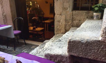 Das beste Restaurant im kroatischen Trogir ist das Konoba Era mitten in der Altstadt.
